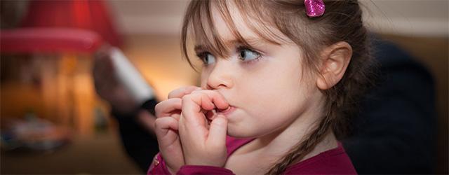 راهکار هایی برای جلوگیری از ناخن جویدن کودکان