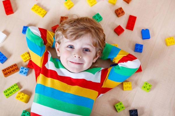 مهم ترین نیازهای عاطفی کودک چیست؟