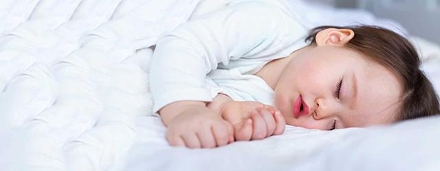 چند توصیه برای بهتر خوابیدن نوزادان و کودکان
