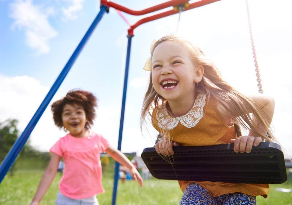 کودکان را برای بازی به فضای باز ببرید