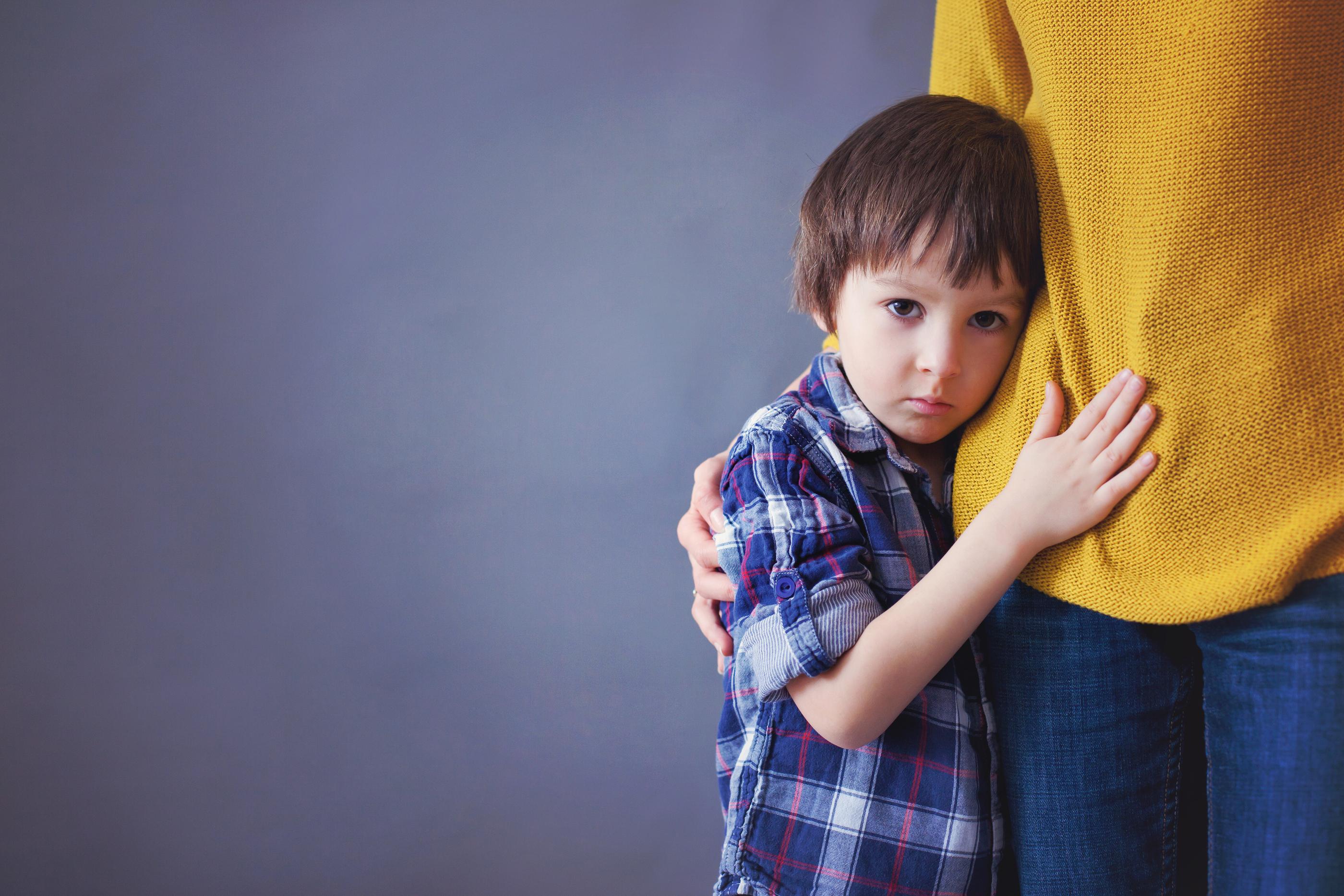 7علت بروز اختلالات اضطرابی در بچهها